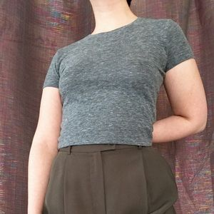 Gray cropped tee